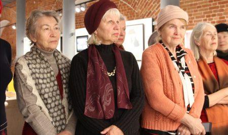 Слушатели Университета старшего поколения побывали на выставке«Нетрафаретная печать» в Центре современного искусства «Арсенал»