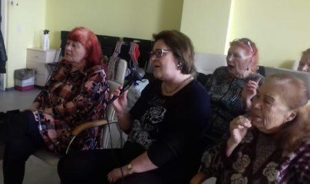"""Нам песня строить и жить помогает. В УСП состоялось очередное заседание клуба """"Караоке"""""""